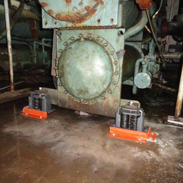 Spring anti-vibration machinery mounting